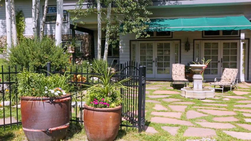 Casa Camilla Aspen Tropical Apartment entrance