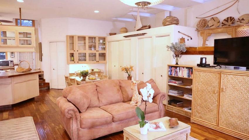 Casa Camilla Aspen Tropical Apartment living room couch