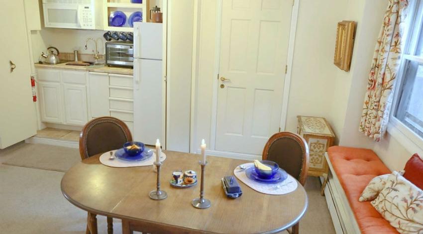 Casa Camilla Aspen French Apartment Kitchen